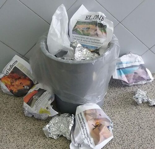 Promover el consumo responsable de papel albal, poner papeleras de reciclaje de papel albal en cada aula para que después del recreo no se tire al suelo